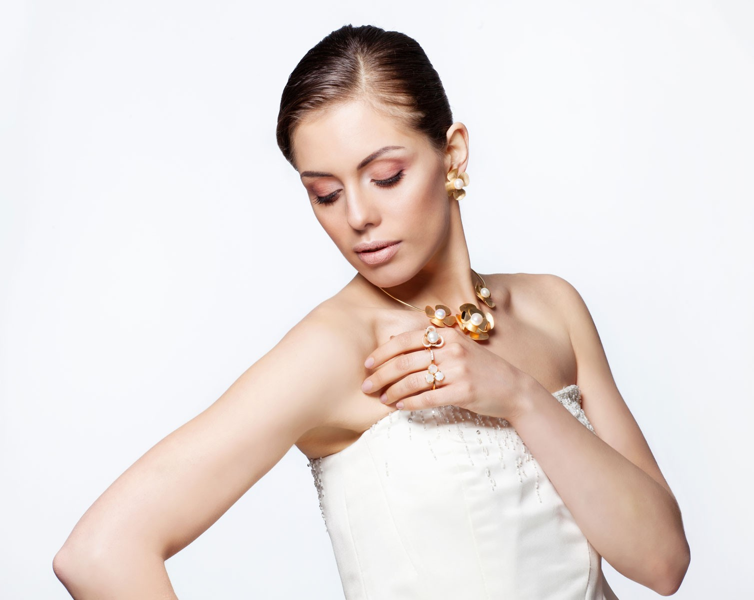 Set oro 14kt con perle di fiume.Collezione sposa.Designer Gabriela Rigamonti