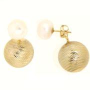 Orecchini perle fiume in oro 14kt con effetto diamantatura.Designer Gabriela Rigamonti