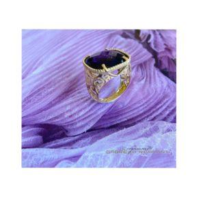 Anello Oro giallo con gemma di ametista.Moresque Collection.Designer Gabriela Rigamonti