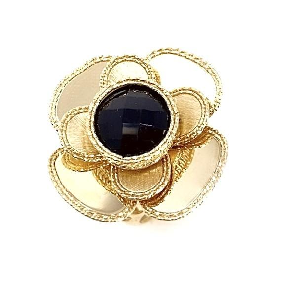 Anello Oro Giallo con onice nero.Disponibile anche in oro 14Kt e 18Kt